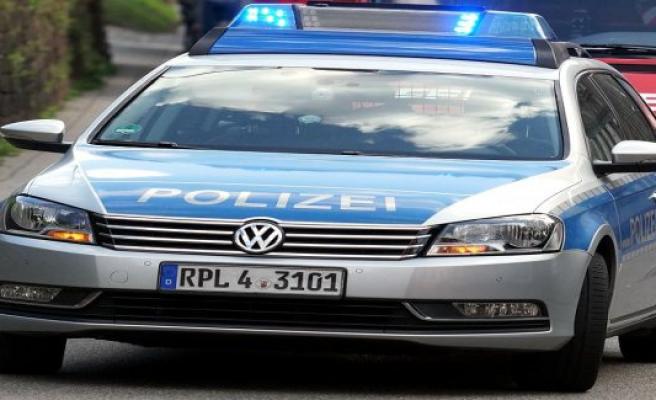 Polizeiinspektion Delmenhorst / Oldenburg - Land / Wesermarsch: Delmenhorst, Federal highway 75: road accident with injured mororrad driver