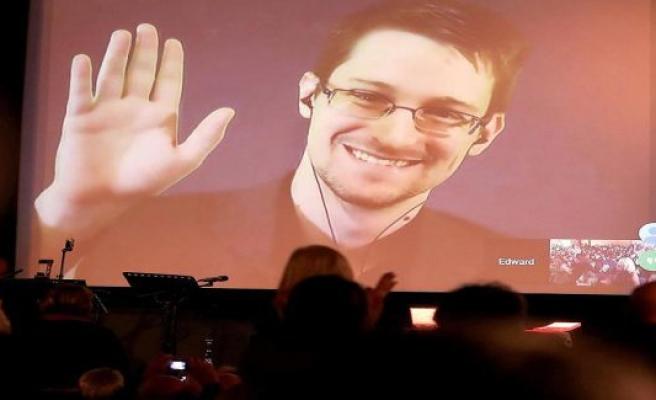 Whistleblower Snowden: Trump wants to consider a pardon