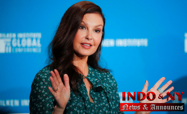 Ashley Judd Explains how she'Almost lost' her leg Congo