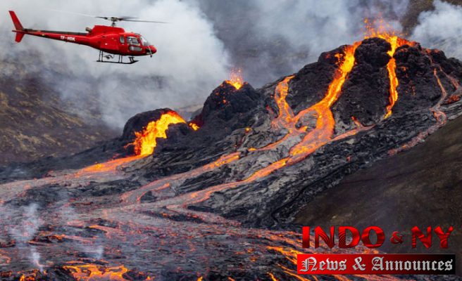 Eruption of Iceland volcano easing, not affecting flights