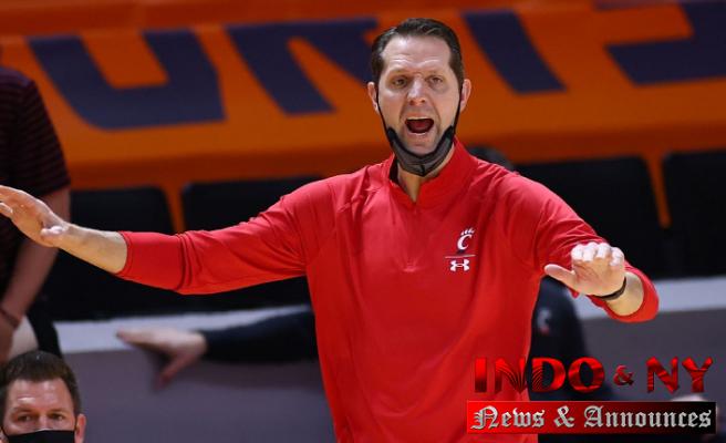 Cincinnati men's basketball coach John Brannen on leave amid investigation