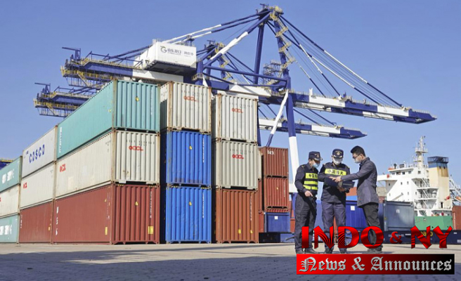 China exports up 28% in September; surplus with US grows