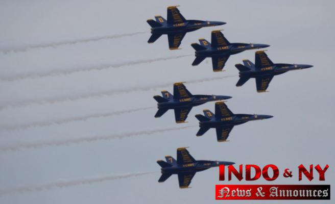 Photos: Blue Angels take to flight as San Francisco Fleet Week begins