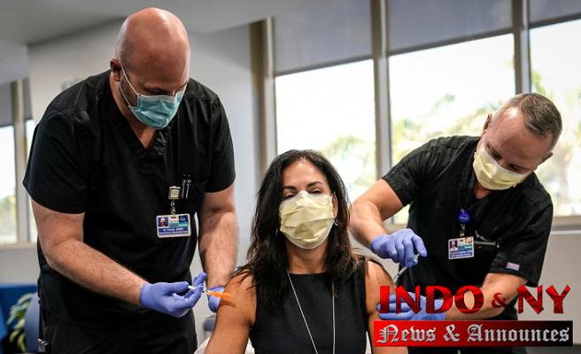 US health experts urge flu shots to avoid 'twindemic'