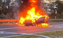 Low-Aula: On the motorway A7, exit: BMW goes up in flames