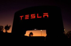 Tesla reach 100,000 million dollars in a Bag and exceeded to Volkswagen
