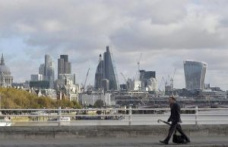 City escape in the midst of crisis: Britons leave London and buy in bulk country houses