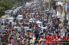 Exasperating experts celebrate Bangladesh lifting lockdown