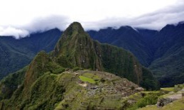 Peru deported to five tourists and investigate other by have a bowel movement and cause damage to Machu Picchu