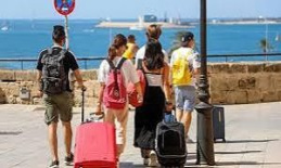 The Federal government is considering a travel warning for Minorca