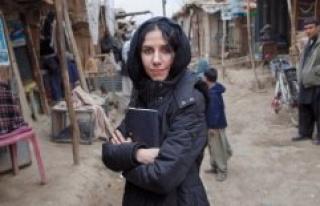 Documentary about PJ Harvey: On poverty Safari