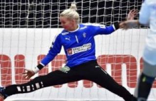 B. T. judge håndboldkvinderne: Sidsteskansen showed...