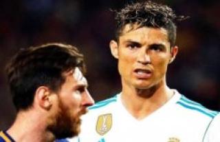 Bad loser? Ronaldo dropping the Ballon d'or awards