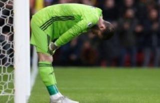 Disaster for United: See de Gea's giant målmandsdrop...