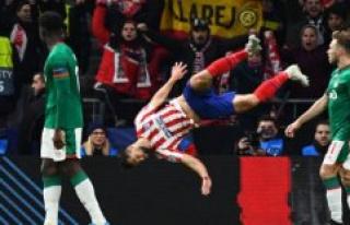 Felix and Felipe sends Atlético Madrid on