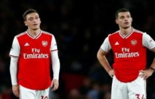 Slump continues: Troubled Arsenal lose again