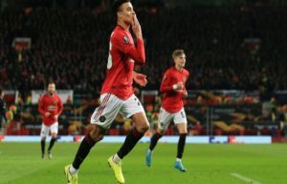 United reserves crusher AZ 11 golden minutes
