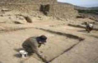 Mexico returns 37 archaeological pieces to Peru