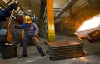 Economic researchers lower economic forecast