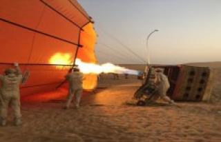 In the balloon over Dubai desert float