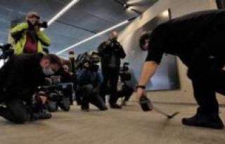 Bayerische Zugspitzbahn departs: media hype from the...