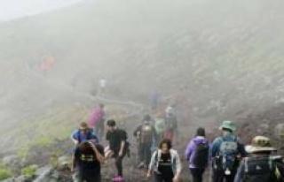 Climbing ban on Japan's sacred mount Fuji, travel