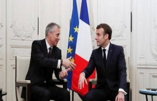 Foreign investors put France under surveillance -...