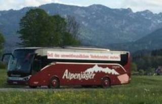 Lenggrieser Alpine hunters demonstrates the Bus-entrepreneurs...