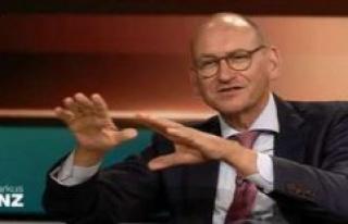 Markus Lanz (ZDF-Corona-Talk) is a guest downfield...