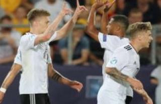 Schalke 04's Max Meyer is distancing itself due to...
