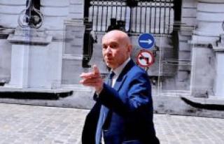 The train denfer of senator Claude Malhuret - The...