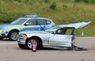 A8/Bavaria: Horror-crash - woman dead - the BMW into...