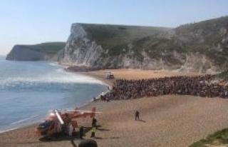 According to Johnson's Corona-relaxations: beaches...