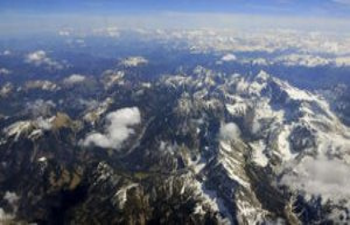 Bavaria/Garmisch-Partenkirchen: Alpine-disaster -...