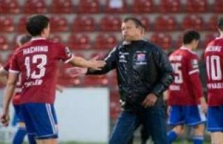 Coach Claus Schromm after the 0:0 SpVgg Unterhaching...