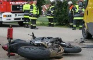 Dachau: Serious accident: DHL driver picks up a Biker...