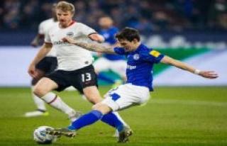 Eintracht Frankfurt against Schalke 04 in the Live-Stream:...
