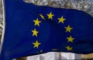 France will re-open progressively its borders Schengen...