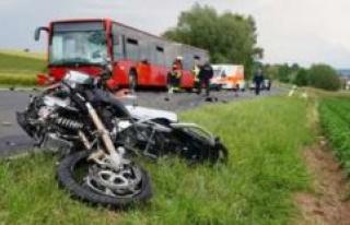 Kassel: Biker dies in Bus accident, students have...