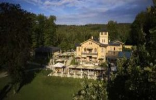 Low-pöcking/Bavaria: luxury hotel and Restaurant...
