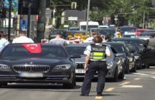 Men blocking the road with illegal Hochzeitskorso...