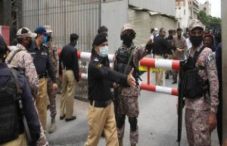 Pakistan : the Karachi stock Exchange is attacked,...