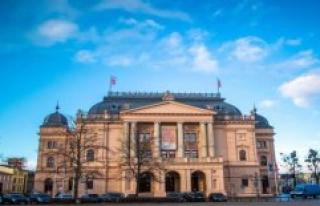 Schwerin Mecklenburgisches Staatstheater Schwerin:...