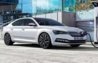 Skoda Superb iV: first appearance as a Hybrid | car