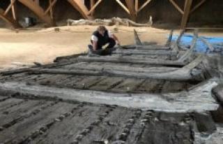 Spectacular Fund: coal-excavator-sets the Danube-ship...