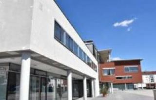Town hall renovation: construction is delayed | Hallbergmoos