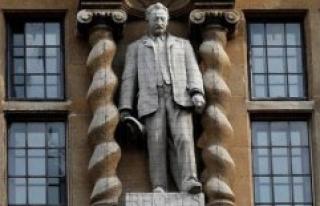 United Kingdom : in Oxford, the colonist Cecil Rhodes...