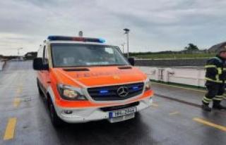 Abbreviation used: the Hamburg fire brigade takes...