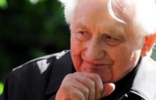 Georg Ratzinger, elder brother of Benedict XVI, is...