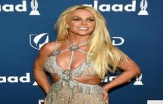 Is Britney Spears a prisoner? Crazy rumors go viral